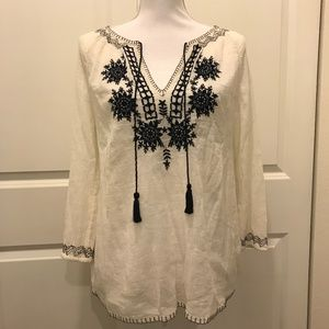 BEACHLUNCHLOUNGE 100% Cotton Embroidered Top